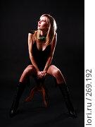 Купить «Гламурная девушка на черном фоне», фото № 269192, снято 25 апреля 2007 г. (c) Гладских Татьяна / Фотобанк Лори