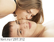 Купить «Поцелуй», фото № 297312, снято 27 декабря 2007 г. (c) Константин Тавров / Фотобанк Лори