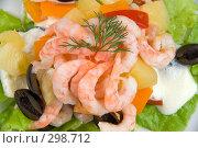 Купить «Салат с креветками», фото № 298712, снято 28 марта 2008 г. (c) Юрий Пономарёв / Фотобанк Лори