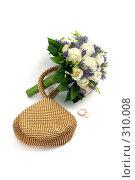 Купить «Свадебные аксессуары на белом фоне», фото № 310008, снято 31 мая 2008 г. (c) Татьяна Белова / Фотобанк Лори