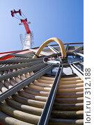 Купить «Портальный кран», фото № 312188, снято 5 апреля 2007 г. (c) Константин Куприянов / Фотобанк Лори