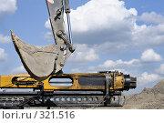 Купить «Строительная техника», фото № 321516, снято 16 мая 2008 г. (c) Vladimir Kolobov / Фотобанк Лори
