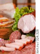Купить «Натюрморт с сырокопченым мясом и колбасой», фото № 324328, снято 5 ноября 2005 г. (c) Татьяна Белова / Фотобанк Лори