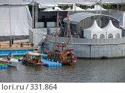Купить «Фестиваль яхт. Яхты, стилизованные под старину, у причала на Пушкинской набережной», фото № 331864, снято 18 июня 2008 г. (c) Эдуард Межерицкий / Фотобанк Лори