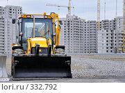 Купить «Бульдозер на строительстве многоквартирных домов», фото № 332792, снято 27 мая 2008 г. (c) Vladimir Kolobov / Фотобанк Лори
