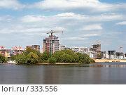 Купить «Казанские новостройки», фото № 333556, снято 10 мая 2008 г. (c) Дмитрий Яковлев / Фотобанк Лори