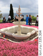 Купить «Крым. Воронцовский дворец мраморный фонтан», эксклюзивное фото № 335304, снято 29 апреля 2008 г. (c) Дмитрий Неумоин / Фотобанк Лори