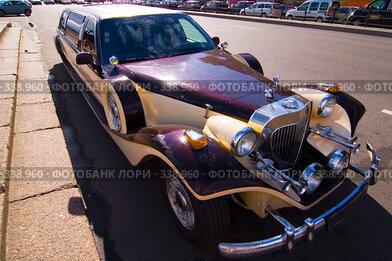 Купить «Старый автомобиль», эксклюзивное фото № 338960, снято 24 июня 2008 г. (c) Александр Алексеев / Фотобанк Лори