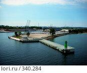Купить «Грузовой порт. Гданьск», фото № 340284, снято 15 августа 2018 г. (c) Наталья Ткаченко / Фотобанк Лори