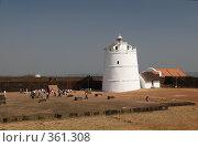 Старый маяк в форте Агуада. Гоа, Индия. (2008 год). Стоковое фото, фотограф Алексей Зарубин / Фотобанк Лори