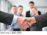 Купить «Рукопожатие», фото № 366956, снято 5 июля 2020 г. (c) Losevsky Pavel / Фотобанк Лори