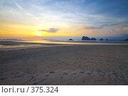 Купить «Берег, Тайланд», фото № 375324, снято 23 марта 2008 г. (c) Pokrovkov Evgeny / Фотобанк Лори