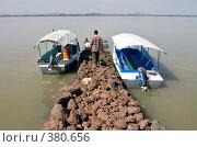 Монастырская пристань на озере Тана, Эфиопия (2008 год). Редакционное фото, фотограф Александр Волков / Фотобанк Лори