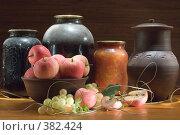 Купить «Осенние заготовки», фото № 382424, снято 30 августа 2006 г. (c) Михаил Котов / Фотобанк Лори