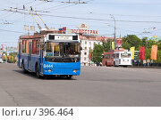 Купить «Синий городской троллейбус. TROLZA. г.Москва», фото № 396464, снято 9 мая 2008 г. (c) Сергей Лешков / Фотобанк Лори