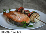 Купить «Форель на гриле с овощами», фото № 402496, снято 3 августа 2008 г. (c) Svetlana Bachkala / Фотобанк Лори