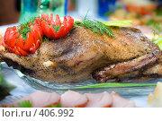 Купить «Утка гриль, украшенная красным сладким болгарским перцем», фото № 406992, снято 18 апреля 2008 г. (c) Федор Королевский / Фотобанк Лори
