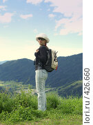 Купить «Туристка в горах», эксклюзивное фото № 426660, снято 11 августа 2008 г. (c) Natalia Nemtseva / Фотобанк Лори