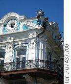 Купить «Фрагмент каменного дома с оригинальной архитектурой», фото № 437700, снято 1 сентября 2008 г. (c) Татьяна Богатова / Фотобанк Лори
