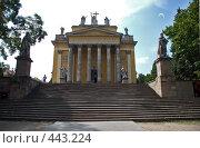 Купить «Базилика города Эгер, Венгрия», фото № 443224, снято 22 августа 2008 г. (c) Pukhov K / Фотобанк Лори