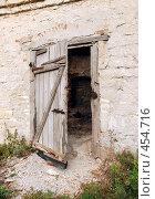 Купить «Дверь старины», фото № 454716, снято 22 октября 2007 г. (c) Владислав Грачев / Фотобанк Лори