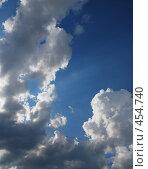 Купить «Лучом залиты облака», фото № 454740, снято 20 августа 2018 г. (c) Владислав Грачев / Фотобанк Лори