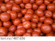 Помидоры на рынке. Стоковое фото, фотограф Ярослав Никитин / Фотобанк Лори