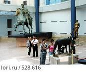 Купить «Люди в зале Музеев Капитолия (Рим, Италия)», фото № 528616, снято 22 мая 2007 г. (c) Маргарита Лир / Фотобанк Лори