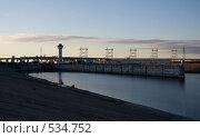 Купить «Город Новочебоксарск. Чебоксарская ГЭС», фото № 534752, снято 22 апреля 2019 г. (c) Евгений Большаков / Фотобанк Лори