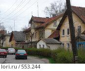 Улочка со старыми домами (2007 год). Редакционное фото, фотограф Александр Новиков / Фотобанк Лори