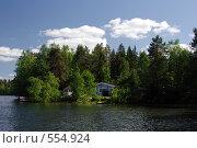Загородный дом на берегу озера. Стоковое фото, фотограф Алексей Семенов / Фотобанк Лори