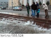 Купить «Наводнение. Вода прибывает.  Санкт-Петербург», эксклюзивное фото № 555524, снято 10 января 2007 г. (c) Александр Алексеев / Фотобанк Лори