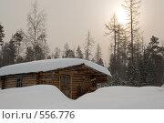 Избушка на закате. Стоковое фото, фотограф Иван Алферов / Фотобанк Лори