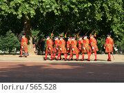 Купить «Королевская стража на улицах Лондона», фото № 565528, снято 12 июня 2007 г. (c) Маргарита Герм / Фотобанк Лори
