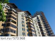 Купить «Новый кирпичный дом в Барнауле», фото № 573968, снято 7 августа 2008 г. (c) Тимур Аникин / Фотобанк Лори