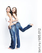 Девушки в синих джинсах. Стоковое фото, фотограф pshek / Фотобанк Лори