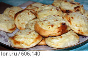 Купить «Картофельные пирожки», фото № 606140, снято 20 июля 2008 г. (c) Илья Телегин / Фотобанк Лори