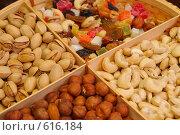 Купить «Орешки», фото № 616184, снято 13 декабря 2008 г. (c) Тимофеев Павел / Фотобанк Лори