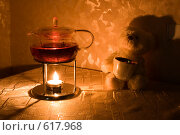 Купить «Чаепитие. Стеклянный чайник. Плюшевый медвежонок», фото № 617968, снято 16 декабря 2008 г. (c) Малютин Павел / Фотобанк Лори