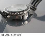 Купить «Спортивные мужские часы», фото № 640908, снято 26 июня 2007 г. (c) Nelli / Фотобанк Лори
