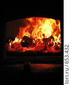 Огонь в деревенской печи. Стоковое фото, фотограф Чировова Екатерина Владиславовна / Фотобанк Лори