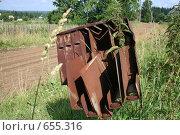 Купить «Старый почтовый ящик в деревне», фото № 655316, снято 28 июля 2008 г. (c) Максим Попурий / Фотобанк Лори