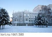 Театр оперы и балета, Екатеринбург (2009 год). Редакционное фото, фотограф Архипова Мария / Фотобанк Лори