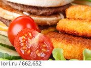 Купить «Фон  из продуктов быстрого питания и овощей», фото № 662652, снято 8 апреля 2008 г. (c) Мельников Дмитрий / Фотобанк Лори