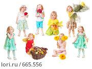 Купить «Девочка с цветами на белом фоне», фото № 665556, снято 19 марта 2019 г. (c) Майя Крученкова / Фотобанк Лори