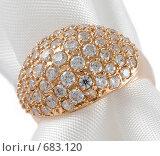 Золотое кольцо с бриллиантами. Стоковое фото, фотограф Андрей Чмелёв / Фотобанк Лори