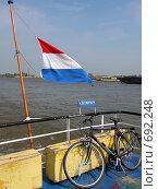 Голландия. Флаг (2006 год). Стоковое фото, фотограф Murat Valiev / Фотобанк Лори