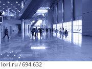 Купить «Холл современного здания», фото № 694632, снято 24 февраля 2008 г. (c) Литова Наталья / Фотобанк Лори