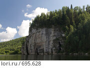 Купить «Скала на реке Вишера», фото № 695628, снято 12 июля 2008 г. (c) Максим Стриганов / Фотобанк Лори