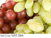 Купить «Фон из свежего красного и зеленого винограда с каплями воды», фото № 697084, снято 24 августа 2008 г. (c) Мельников Дмитрий / Фотобанк Лори
